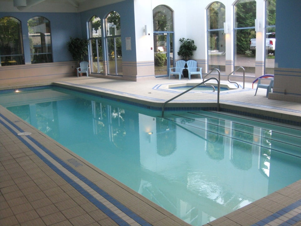 Swimming Pool and gym for your enjoyment